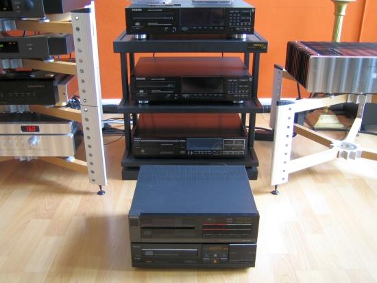 philips rack met cd104 en cd150 IMG_5200_550pix