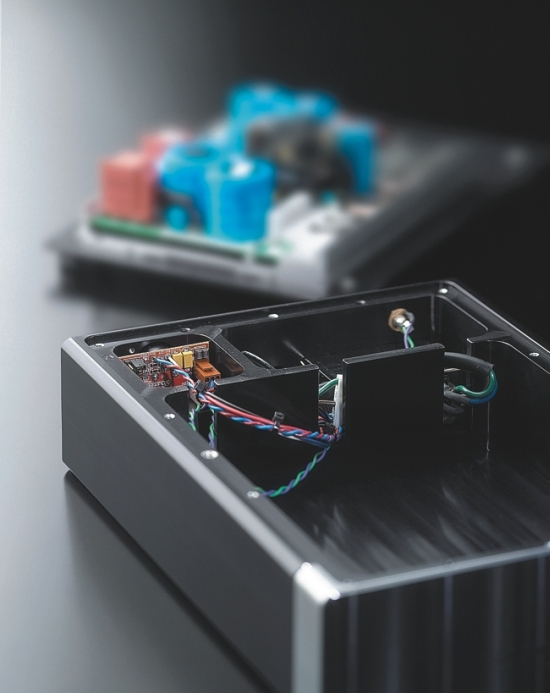 rowland-model-201-detail_550pix