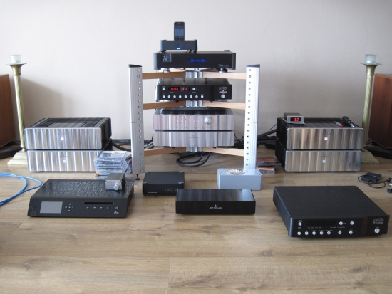 digital-amps-compared_img_6186_550pix