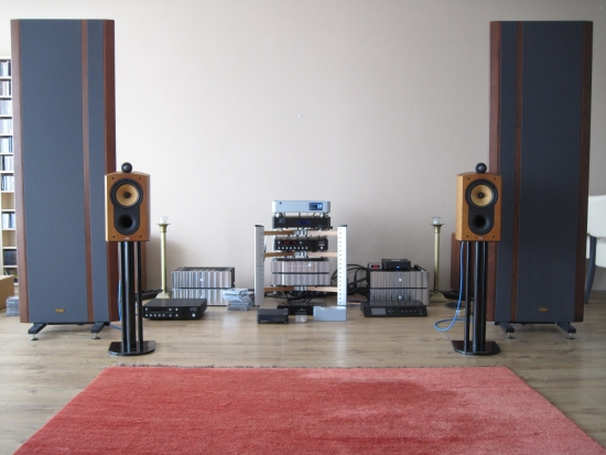 digital-amps-compared_img_6214_550pix