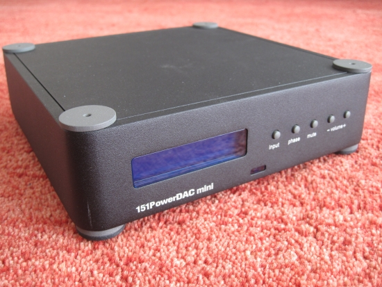 digital-amps-compared_img_6216_550pix
