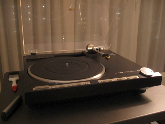 Turntables-compared-550pix IMG_4708