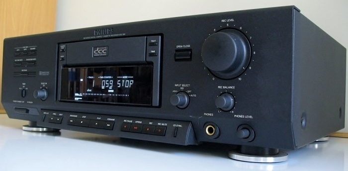 PHILIPS DCC-900 SERIES DIGITAL COMPACT CASSETTE DECK 700pix