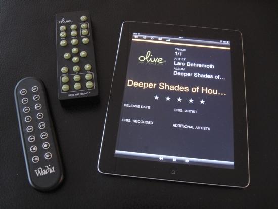 Wadia_171i_remote_Olive-iPad_550pix IMG_6200