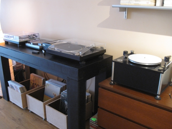 Turntables-compared-550pix IMG_4443
