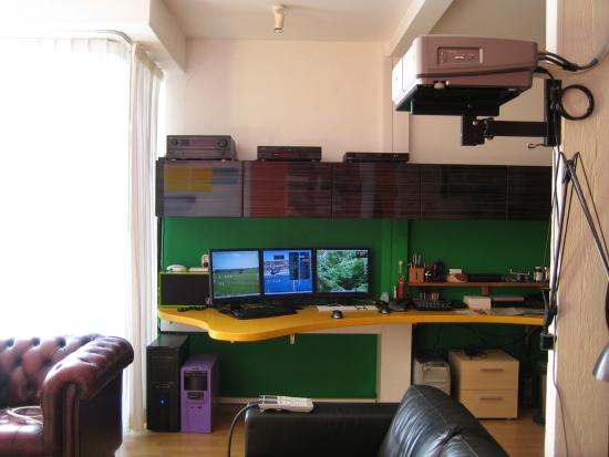 desk feb 2008 met ikea kastjes IMG_4919_550pix