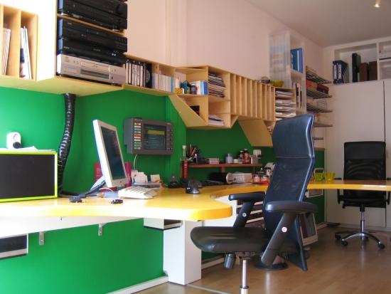setup feb 2007 desk IMG_3329_550pix