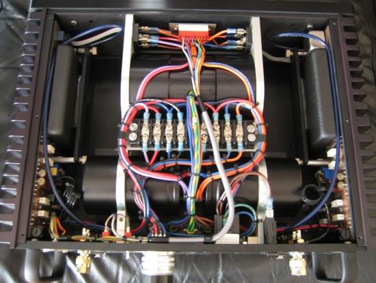 rowland-model-2-inside-van-onderen-img_6621_550pix