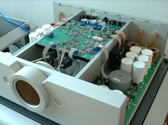 "Digital"" Switching Class D or Class T amplifiers 