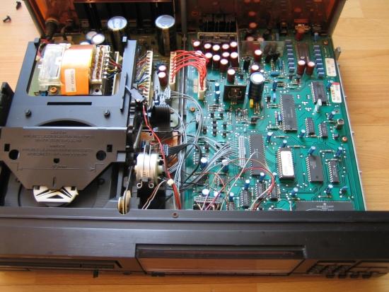 philips-cd880-inside-img_5277_550pix