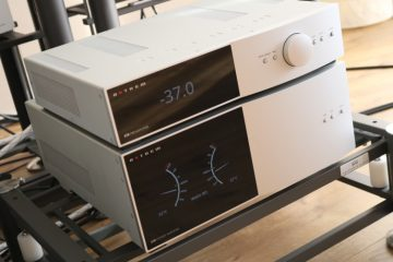 Anthem STR preamplifier and power amplifier